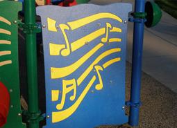 Tại sao nên sử dụng nhựa HDPE trong xây dựng sân chơi trẻ em