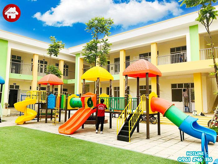 chọn cầu trượt liên hoàn cho các khu vui chơi trẻ em