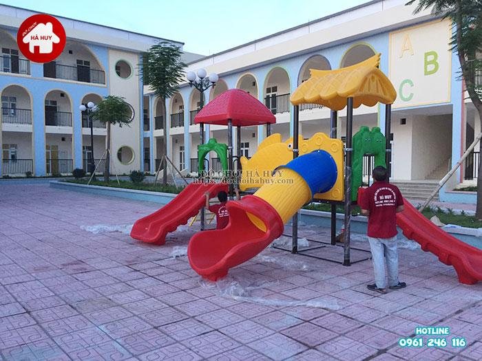Hoàn thiện lắp đặt đồ chơi ngoài trời cho trường mầm non ở Hà Nội