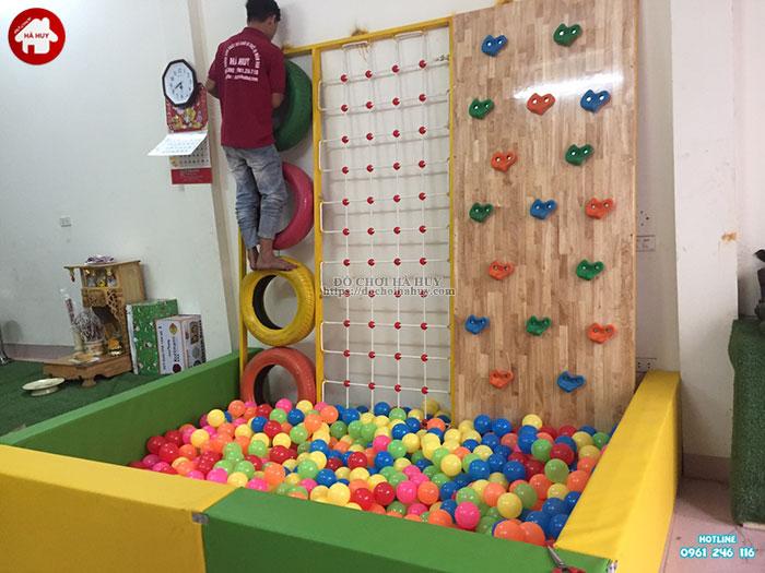 Vách leo núi đa năng kèm bể bóng cho bé HE2-009